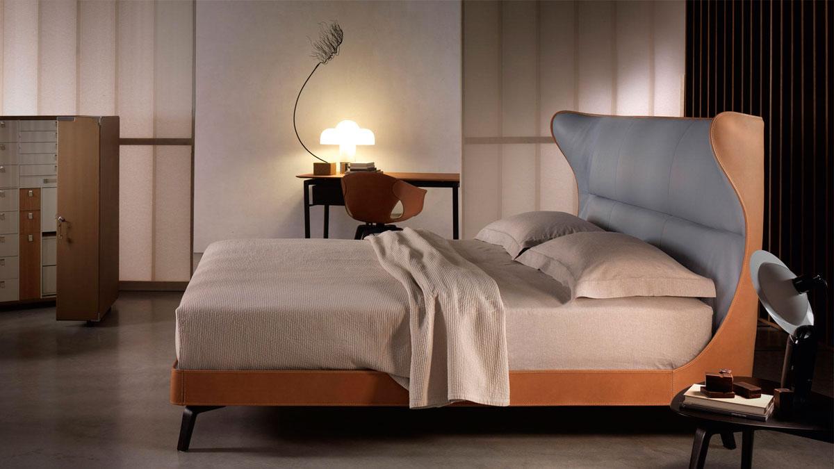 Mamy blue cama poltrona frau piarti muebles de dise o - Camas de diseno italiano ...